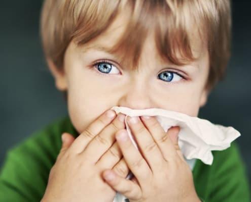 سرما خورگی در کودکان بسیار شایع است .